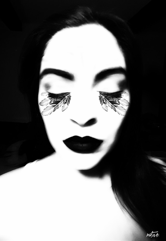 Blame it all on yourself 'cause she's always a woman to me...    #billyjoel #classics #woman #monochrome #blackandwhite #portrait #artisticselfie #clipart #zentangleart #vignette #wppportrait #selfieshadow