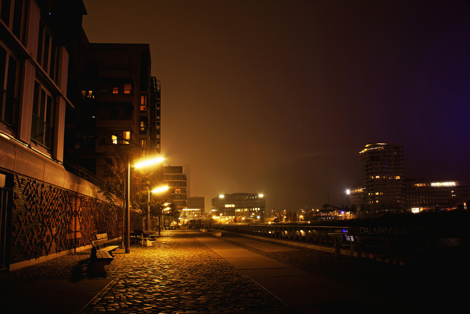 #night #people  #photography #freetoedit #colorful   #emotions  #hamburg  #hafencity #marcopolotower  #sky  #hdr  #buildings #remixes