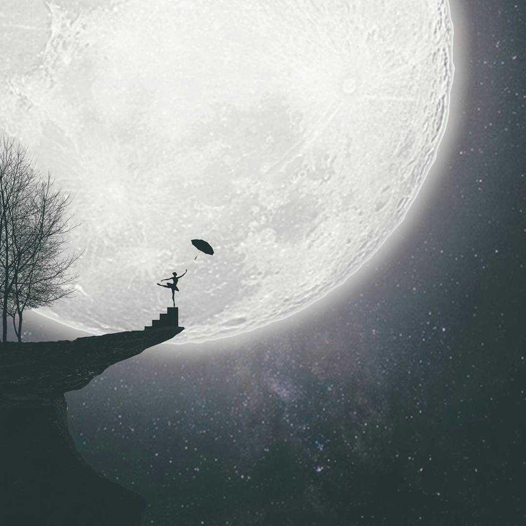 Lost. #moon #freetoedit #art #surreal