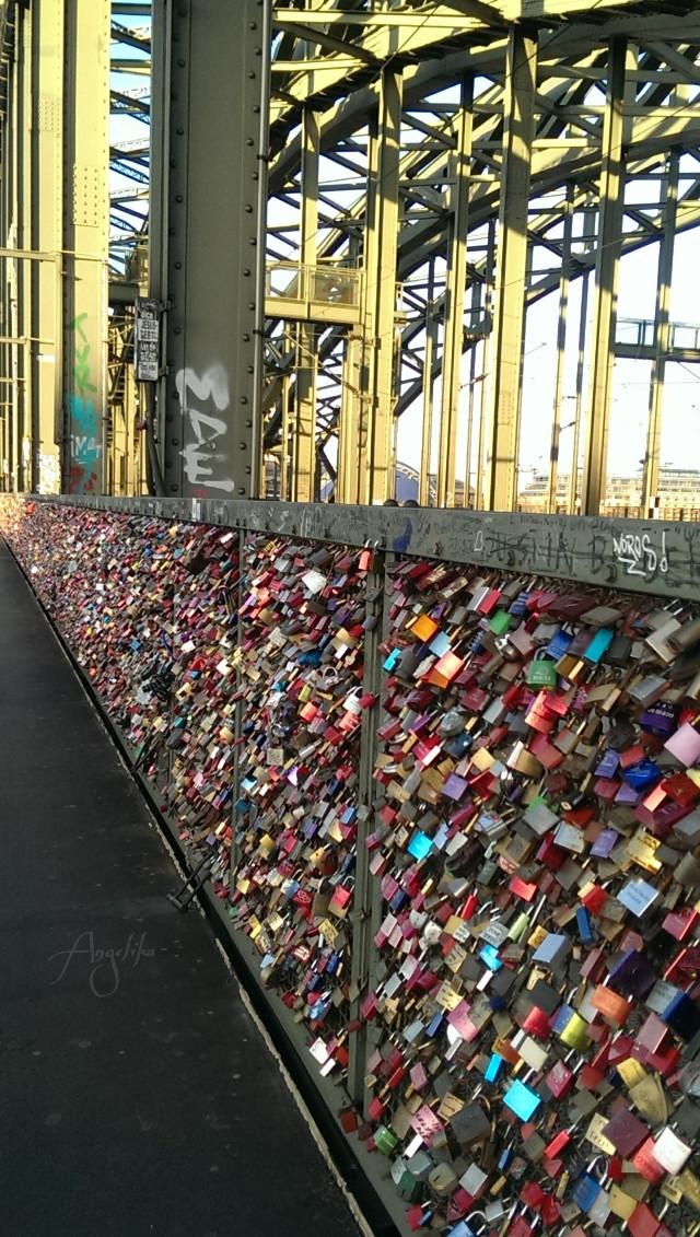 Let it be love! #love #bridge #germany #Cologne