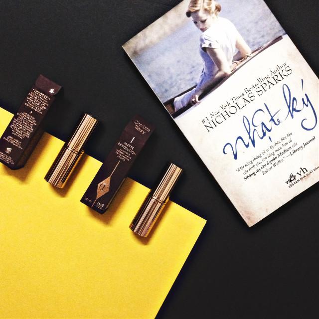 #charlottetilbury #lipsticklover #lipsticks #red #mauve #black #yellow #thenotebook