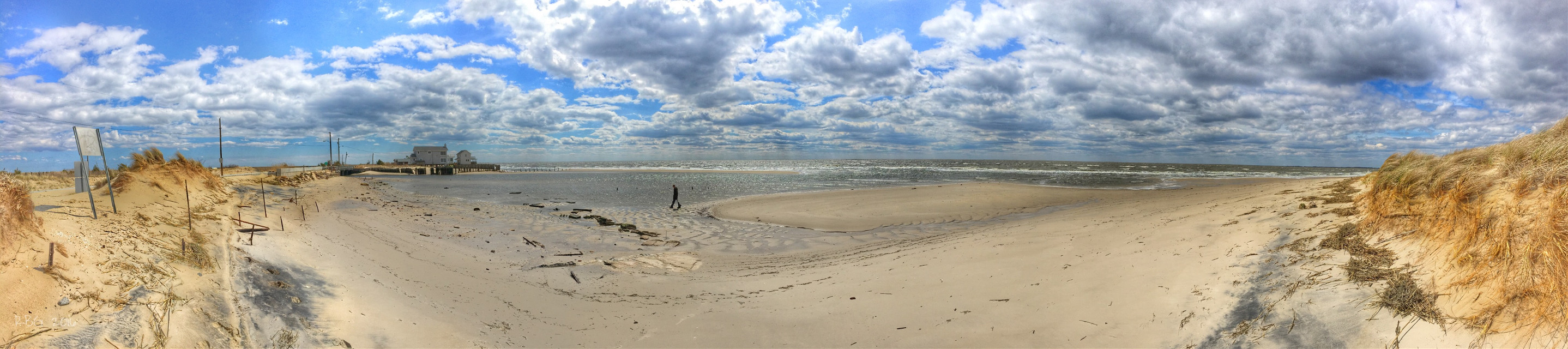 Beautiful Day 👍 😍   #iphone6s #beach #water #fortescuenewjersey #panorama #emotions #nature #waves #clouds