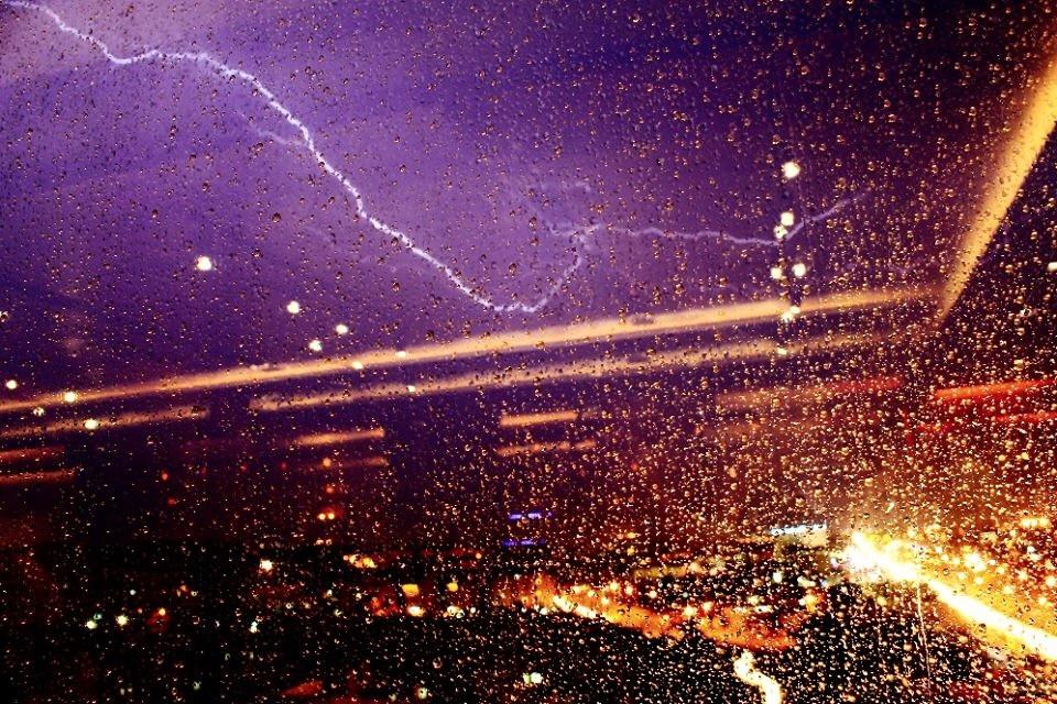 #lightning #rain #lights #city #edirne  #reflection #raindrops #pine #night #canon #canonphotography #canon1100d