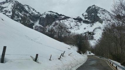 snow snowcape mountain road