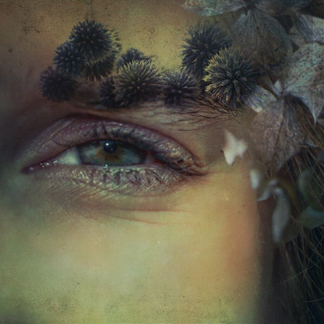 L'amour ne se mesure pas en nombre de lune passée, ni en distance parcourue pour la trouver.  C'est la sensation qu'une personne est toujours présente dans ton esprit après avoir parcouru 1000 rivières en 1000 lunes.  Proverbe métisse Mikmaq  #people #portrait #mextures #madewithpicsart